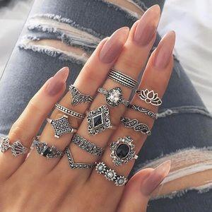 Jewelry - NEW 15 piece Boho Silver Midi Ring Set